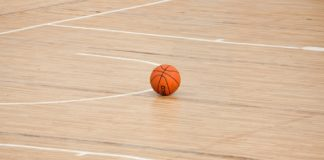 Basketball court, photo from Pixabay.